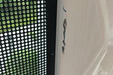 两万余元门窗到货有多处污损窗里窗外门窗经营部将积极处理